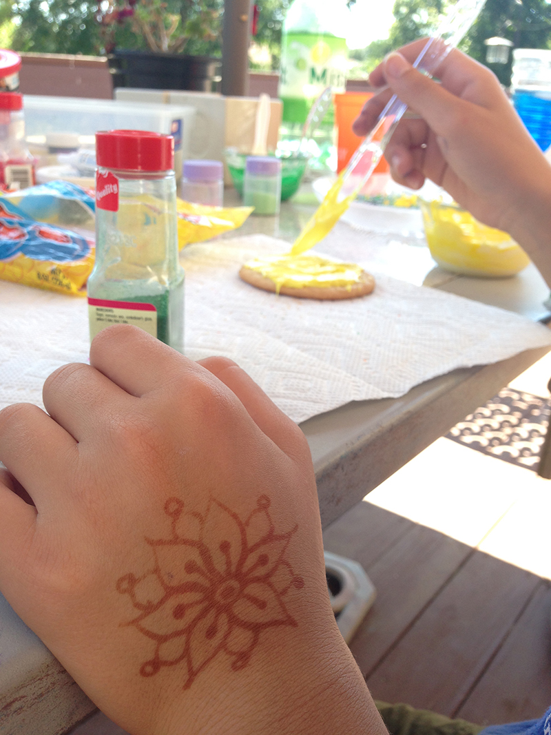 Henna and cookies